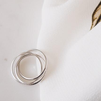 кольцо из нескольких колец фото